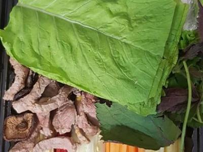 Bò cuốn lá cải
